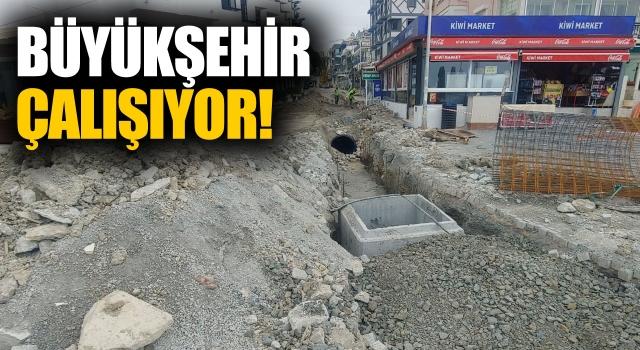 Büyükşehir Kuşadası'nda Alt Yapı Çalışmalarını Sürdürüyor!