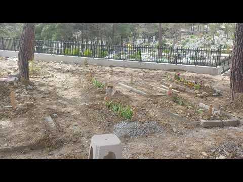 Kuşadası'nda Yeni Asri Mezarlığın Kıblesi Şaştı! Görenler Gözlerine İnanamadı!